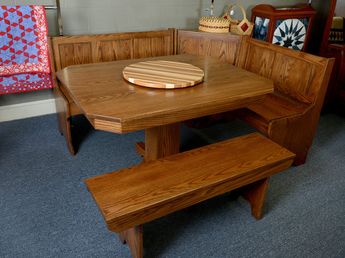 Amish kitchen furniture